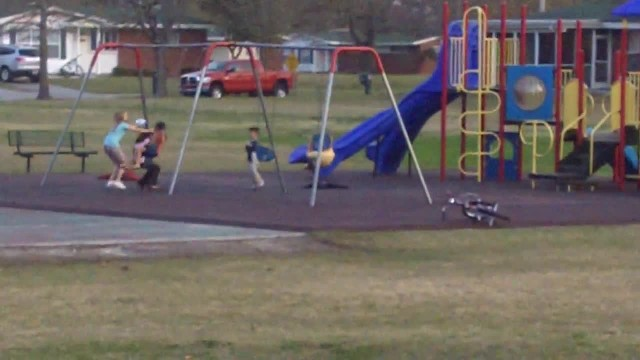 They See 5 Kids Suddenly Freeze On The Playground. Seconds Later, They Realized What Happened
