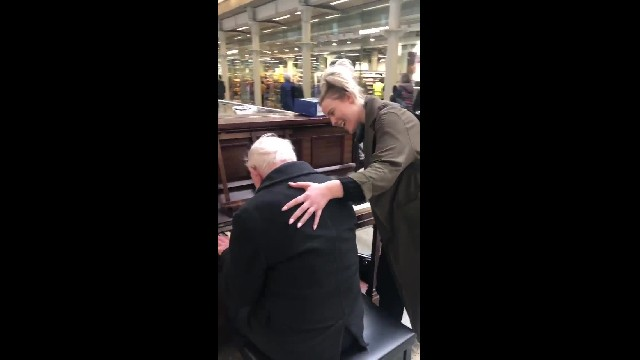 91-yr-old pianist in train station joined by unlikely singing partner in moving duet