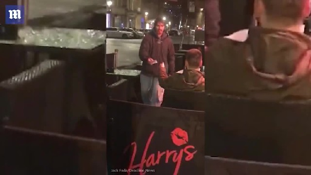 http://ve.bldvideo.com/newcastle-bar-customer-gives-homeless-man-his-bank-card-and-pin-and-lets-him-