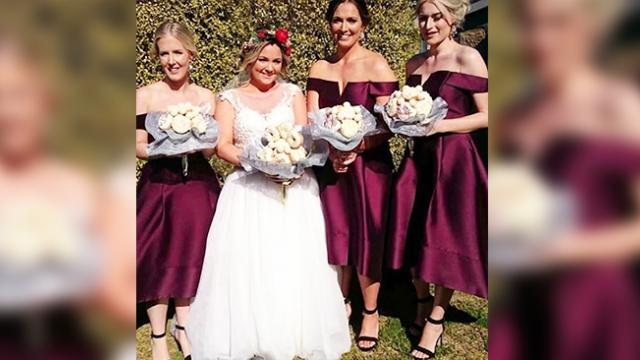 Bride ditches flowers to carry edible bouquet for her wedding