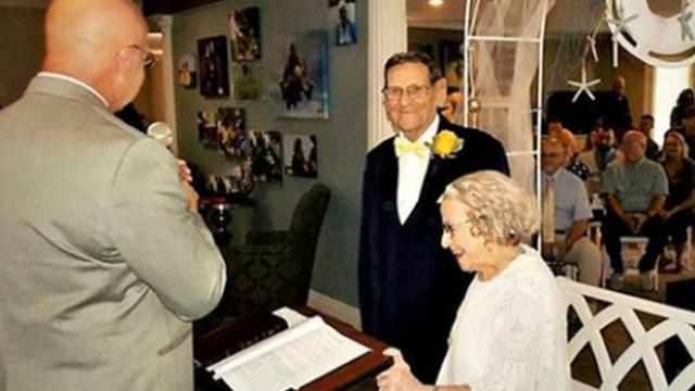 High school sweethearts marry 75 years after they first met, and they're story is heartwarming