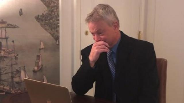 Gary Sinise breaks down in tears after receiving star-studded thanks for his work with veterans