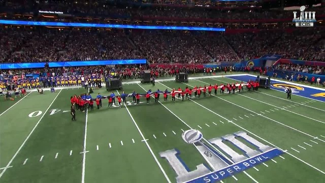 Gladys Knight's nat'l anthem was incredible. But when the camera cut away for 3 seconds, that stole