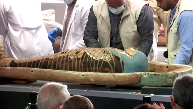 Egypt showcases 2,500-year-old coffins