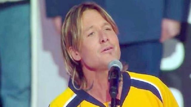 Keith Urban never sang the national anthem: He opens his mouth and the crowd goes silent