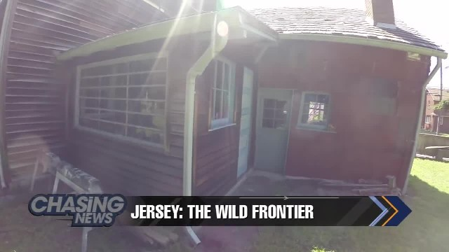 Couple lives in oldest log cabin in America