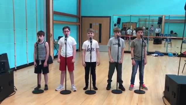 "5 boys line up & break into ""Greatest Showman"" cover that has internet in awe"