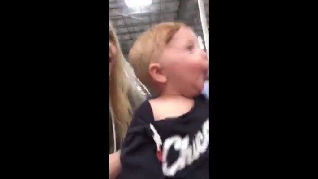 Mommy Takes Baby Shopping Through Christmas Aisle His Reaction Takes Internet By Storm