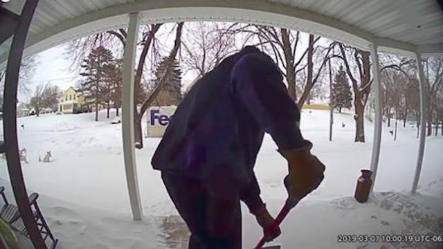 FedEx driver quietly shovels snow off widow's porch after learning her husband recently died