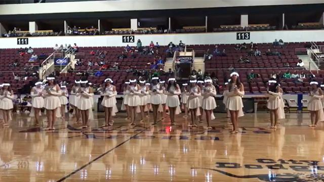 Dance team lines up in gym, but crowd loses it when lights go out mid-song