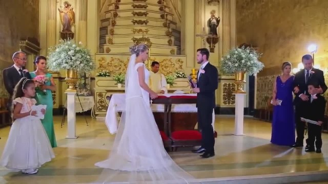 TOUCHING EMOTIONAL Hallelujah PERFORMANCE BY A MUSICIAN ON HIS WEDDING