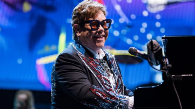Elton John donates $1 million to Australian bushfire relief fundraisered folder