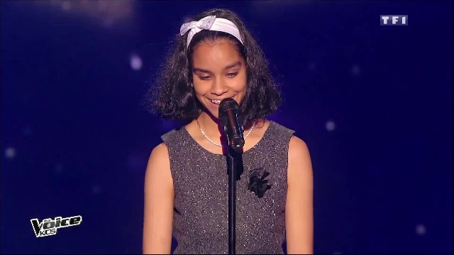 "Young blind girl grips audience from 1st note with enchanting version of ""The Prayer"""
