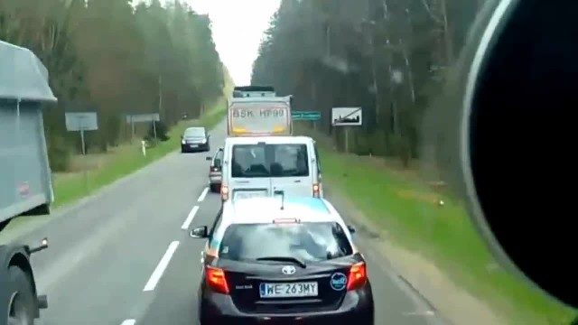 Idiot driver keep littering on the road, now look to the right as he gets what he deserves