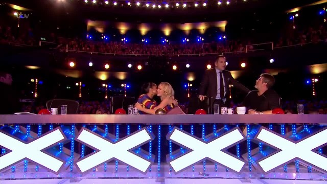 Contestant sings Streisand classic. As judges go crazy 1 of them leaves Simon utterly embarrassed