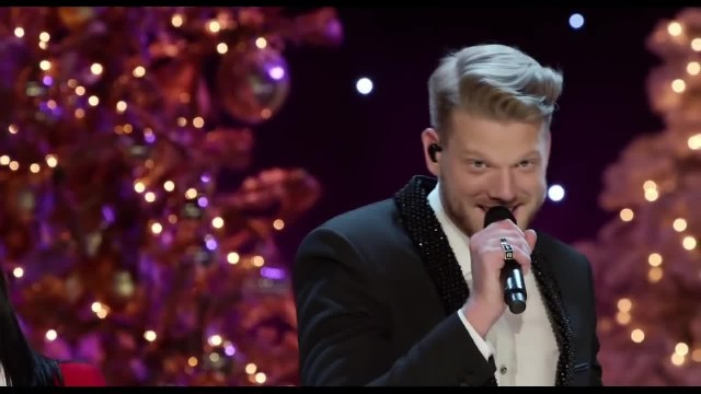 Darci Lynne Joins Pentatonix Onstage, But It's Her Puppet's Crazy Song That Has Everyone In Laughter