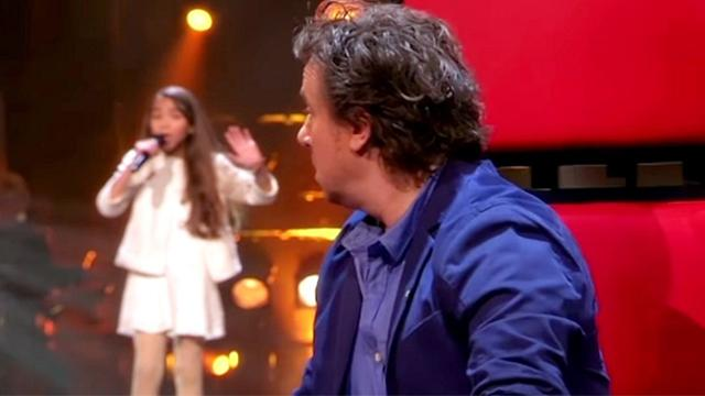 Young Girl Sings 80-Year-Old Song So Flawlessly Judges Forced To Whip Around Within 1st Notes