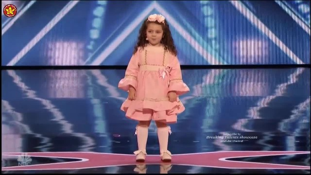 5-year-old belts out 4 decade old classic and Simon is lost for words