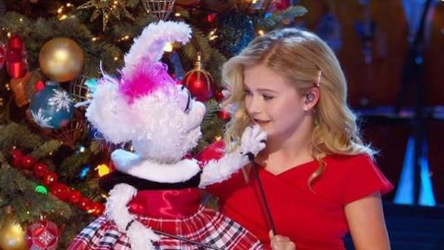 Darci Lynne and Petunia Sing 'Rockin' Around the Christmas Tree' - My Hometown Christmas Performance
