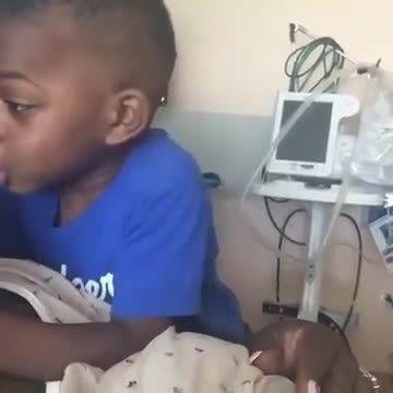 Pregnant mom goes to hospital, but son has cutest argument for her to come home