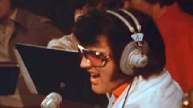 Rare footage uncovered of Elvis singing emotional love song is bringing everyone to tears