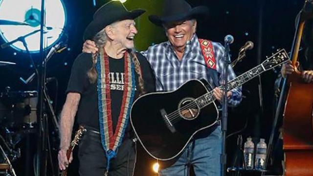 Watch Willie Nelson and George Strait share the stage for the first time