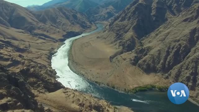 Volunteers Become Temporary Caretakers of Hells Canyon Ranch