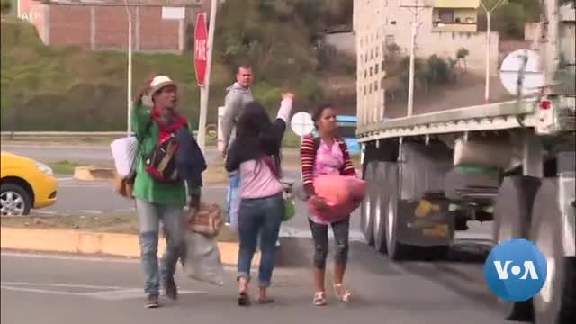 Migrants Wait, Hope in Mexican Border Towns