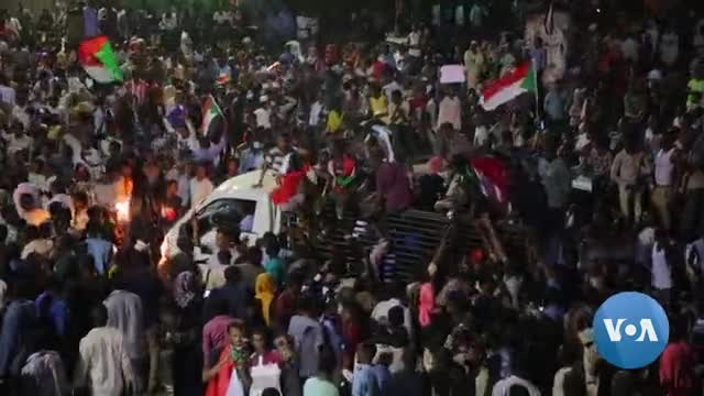 Sudan's Military Rulers Pledge to Restore Civilian Rule Amid Protests